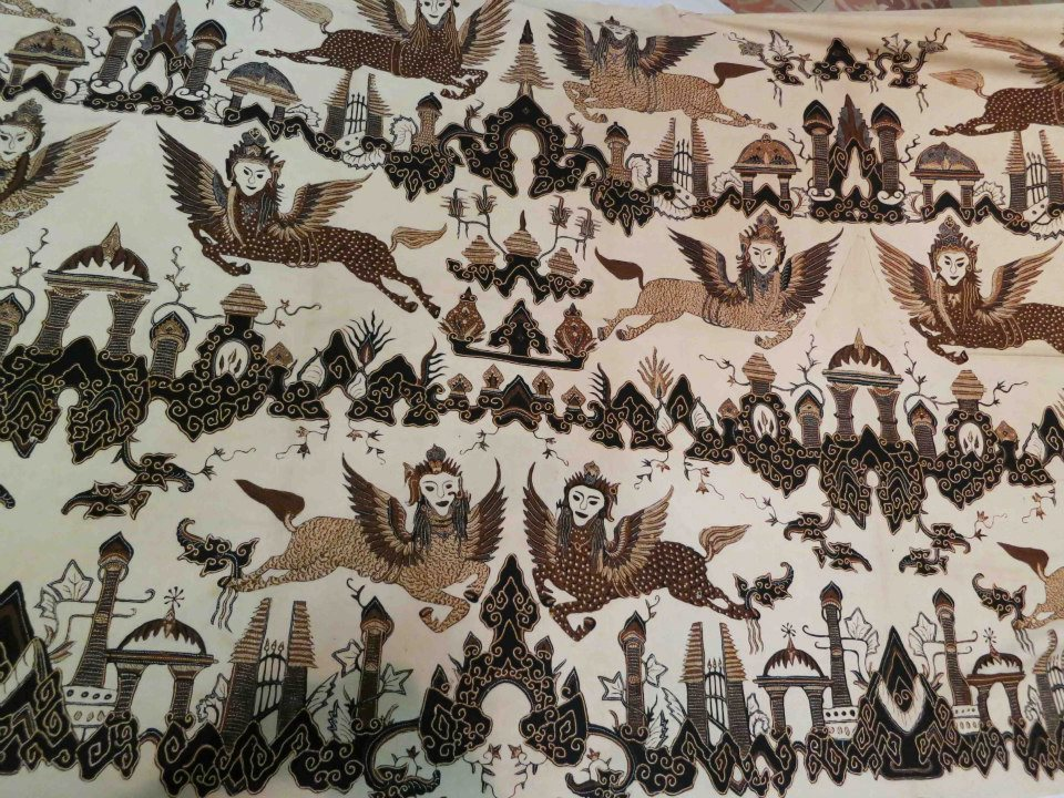 Cirebon traditional Batik pattern : Burung Bouraq, its believed the ...