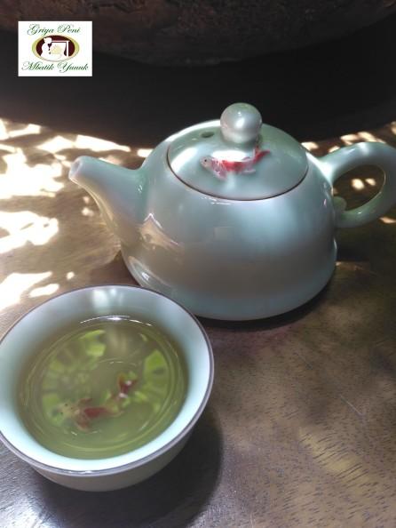 21. SML TEA POT & CUP .
